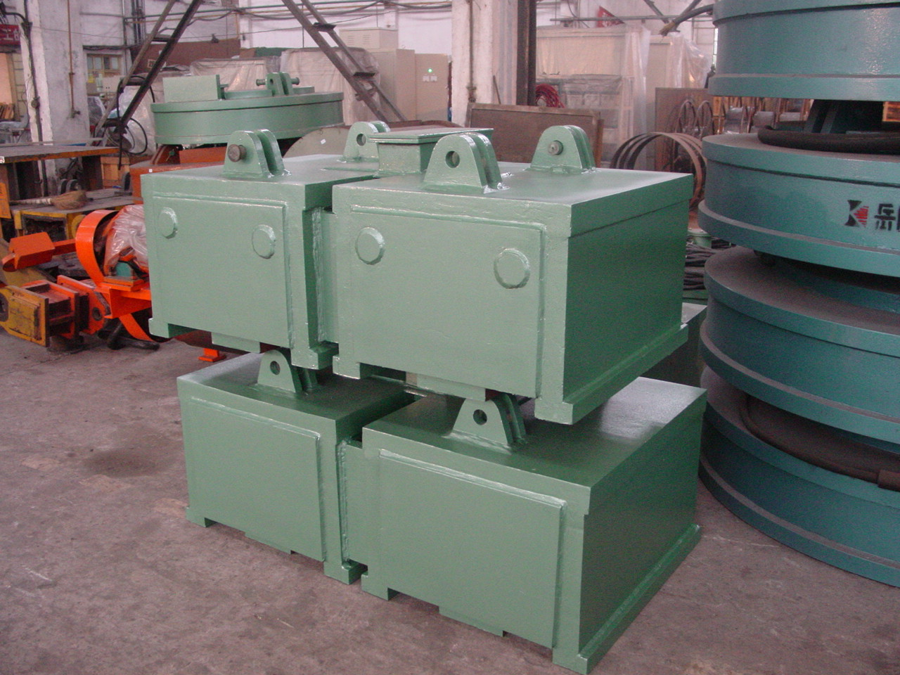 pipe lifting magnet in storehouse
